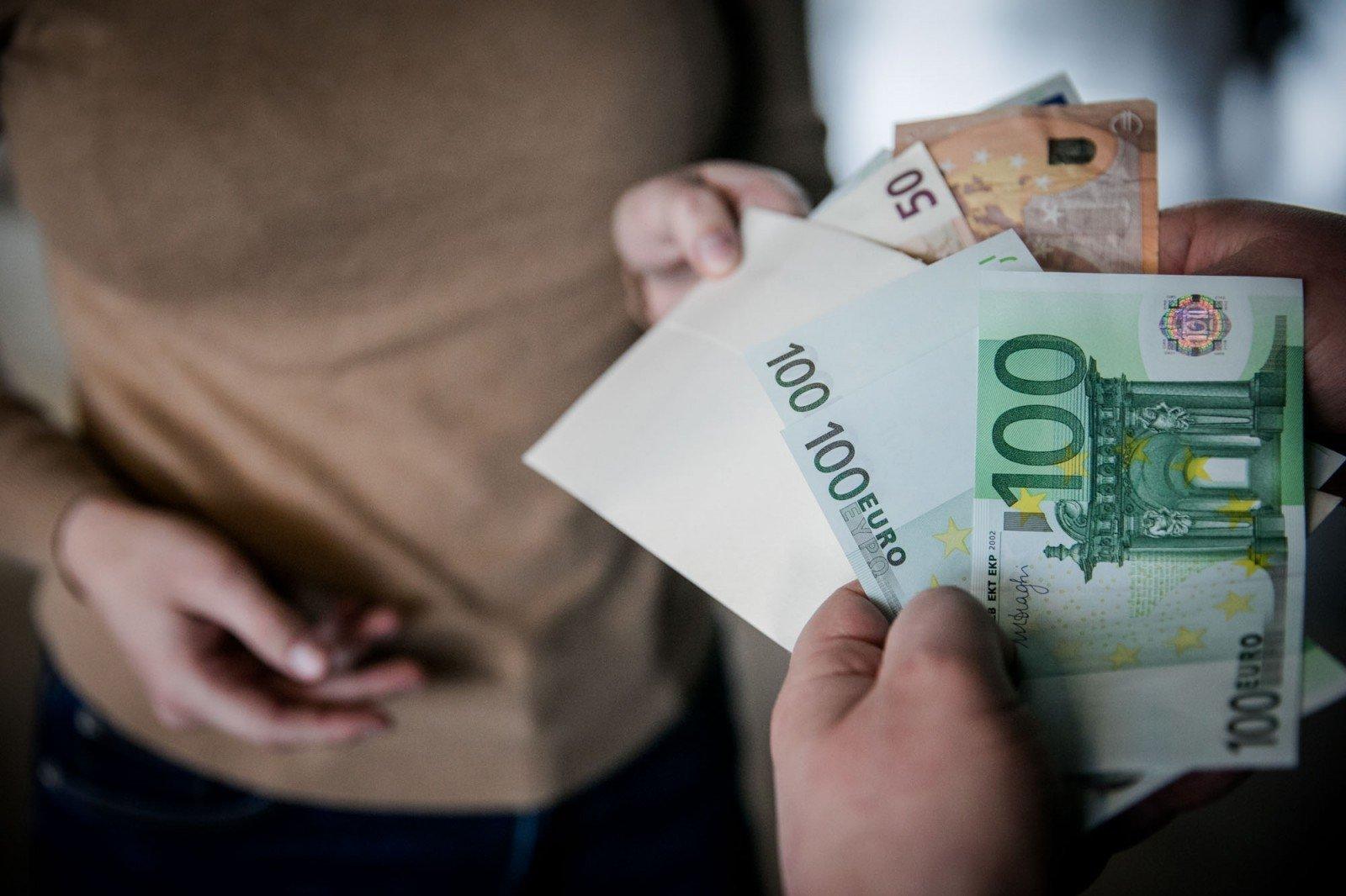 greiti pinigai internete be investicijų