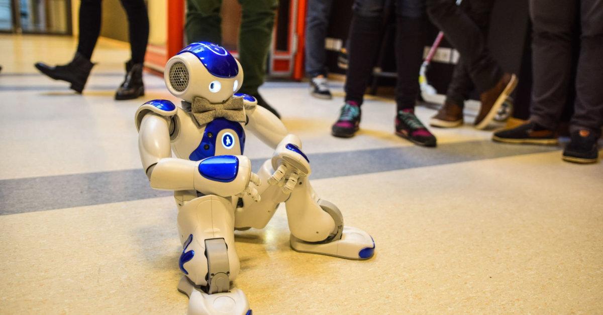Keturi socialių robotų atliekami klientų patirties gerinimo būdai mažmeninės prekybos parduotuvėse